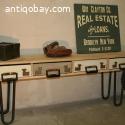 Sidetable met laden van oude platenkoffers